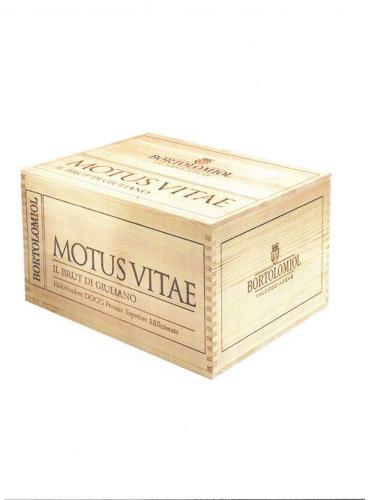 """""""Grande cuvee del Fondatore"""" Motus Vitae 6 bt. in legno"""